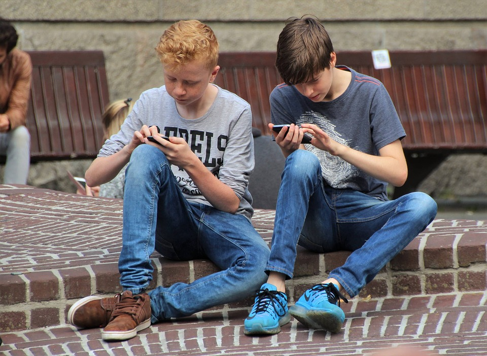 What Every Parent Should Know About Smartphones