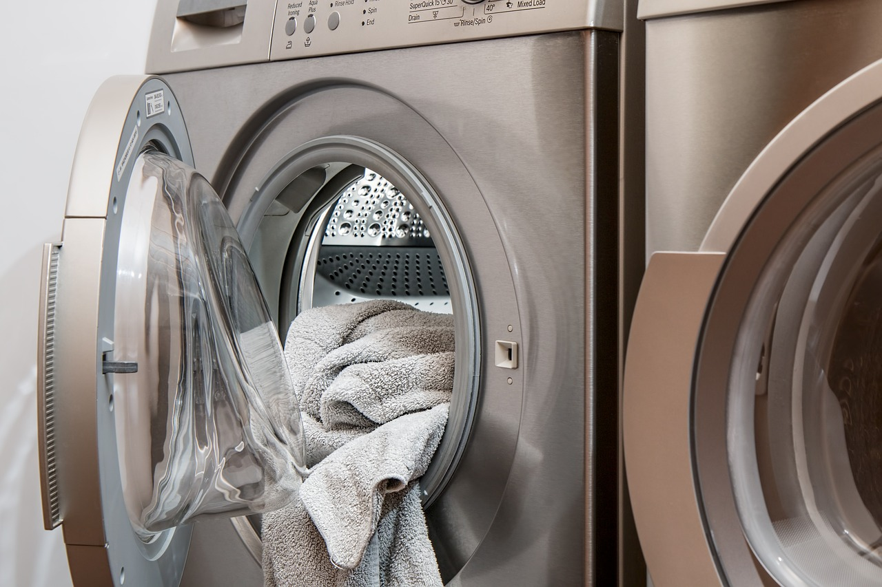 Don't Throw The Bedding Out With The Bed Bugs – Dealing With Infested Laundry