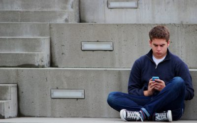 3 Easy Ways Your Teenagers Can Make Money Online While Having Fun